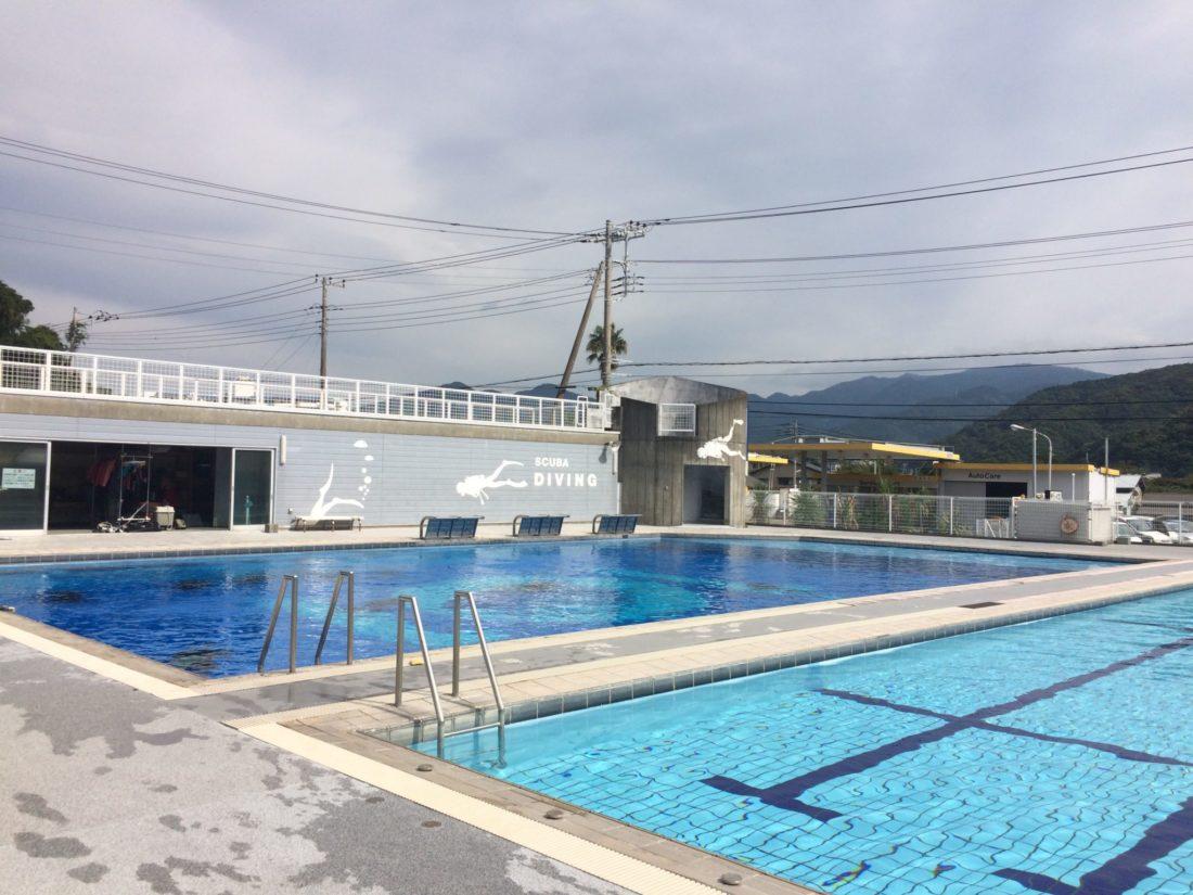 プール講習|横浜ダイビングスクール&ツアー セブン